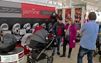 Pan Filip a jeho žena budou rajzovat po Brně s Jasminem Bennettou 02