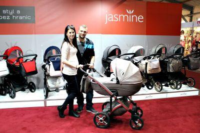 A přícházejí první zákazníci...s Jasmine Bennettou Soft LE 01
